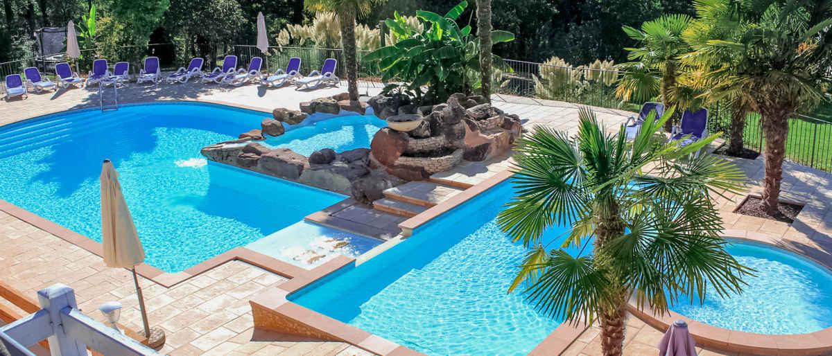 Gites perigord dordogne village de gites en dordogne avec piscine belves - Gite dans les landes avec piscine ...